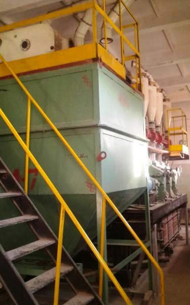 Вальцовый станок для зерна